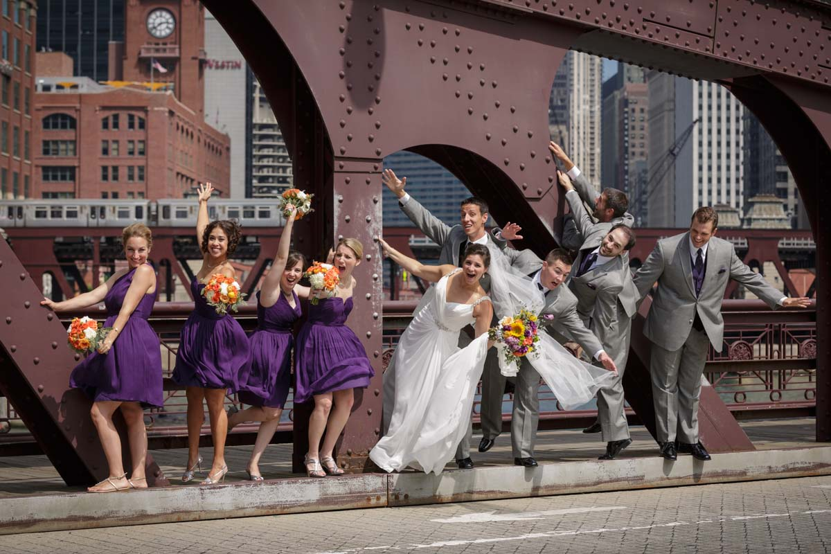 Portrait wedding photography on the Franklin Orleans Bridge over the Chicago River by Photographer John Gress