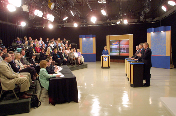 Oregon Republican Gubernatorial Candidates Kevin Mannix, left, Jack Roberts, middle, watch Ron Saxton participate in a televised debate at KGW television studios in Portland, Ore., Monday, April 29, 2002.(AP Photo/John Gress)
