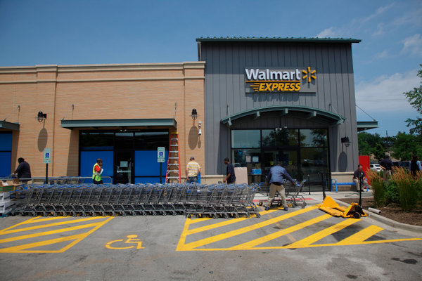 New First Walmart Store Opens in Chicago