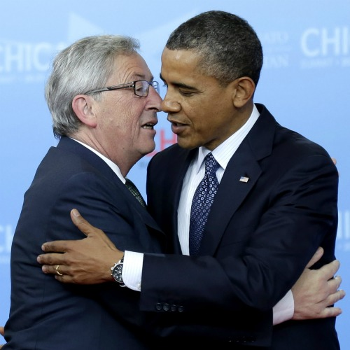 CHICAGO, IL - MAY 20: Luxembourg Prime Minister of Jean-Claude Juncker kisses U.S. President Barack Obama on the cheek as they arrive at the NATO summit on May 20, 2012 at McCormick Place in Chicago, Illinois. As sixty heads of state converge for the two day summit that will address the situation in Afghanistan among other global defense issues, thousands of demonstrators have taken the streets to protest. (Photo by John Gress/Getty Images)