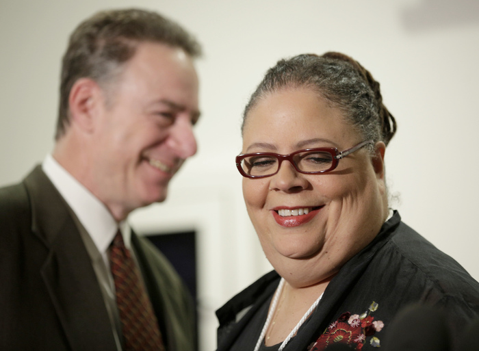 Chicago Teachers Union President Karen Lewis smiles during a press conference on the fifth day of their strike in Chicago, September 14, 2012. REUTERS/John Gress