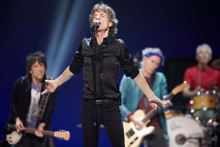 "(L-R) Ronnie Wood, Mick Jagger, Keith Richards and Charlie Watts of the Rolling Stones perform at a concert during the band's ""50 and Counting"" tour in Chicago May 28, 2013.REUTERS/John Gress (UNITED STATES)"