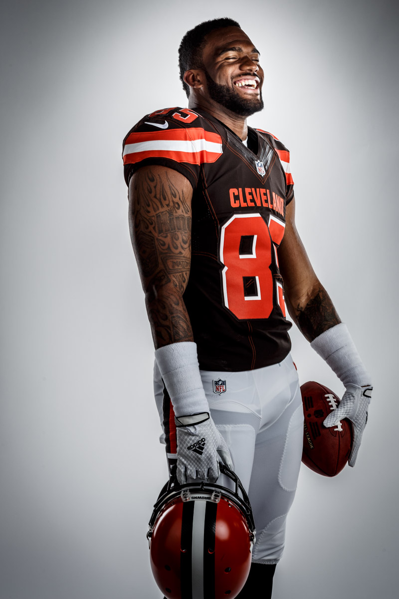 Editorial portrait photography of Cleveland Browns Vince Mayle by Chicago Photographer John Gress