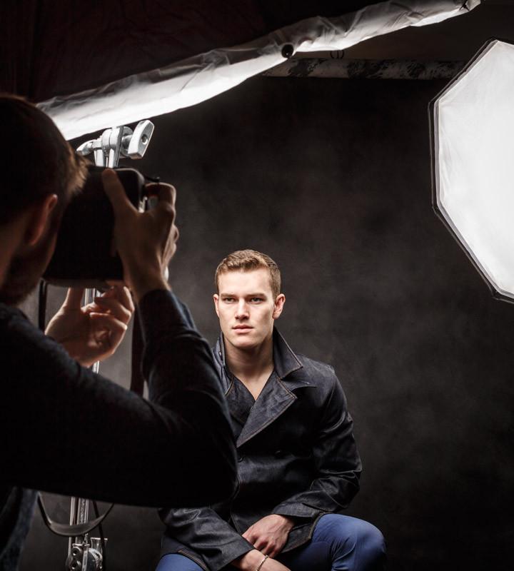 Chicago headshot photographer Factor Chosen Model Jefferson West behind the scenes
