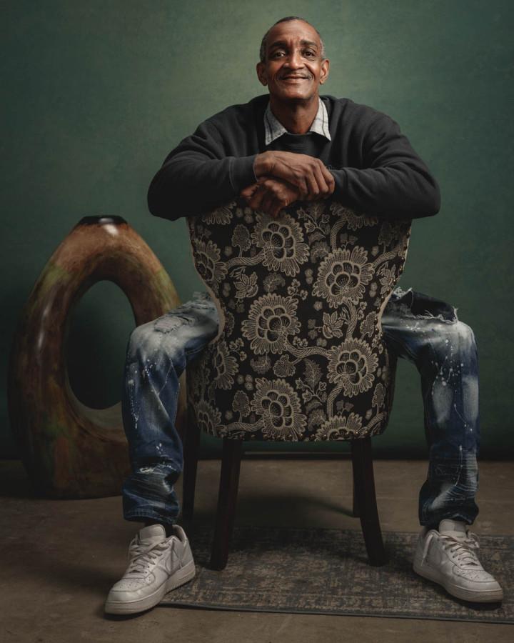 classic chicago editorial portrait photographer green backdrop
